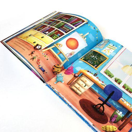 8 patas habitación libros